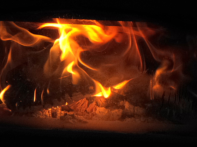 Something about a fire burning brilliantly in the hearth just makes me want to snuggle down.