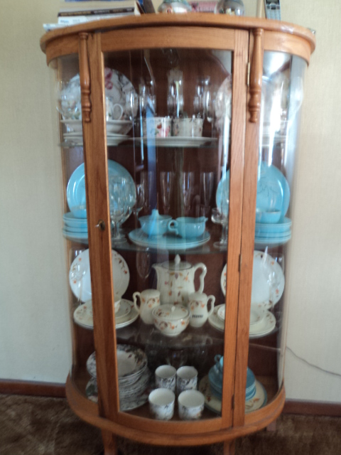 Doesn't it just 'compliment' the dishes in my curio?